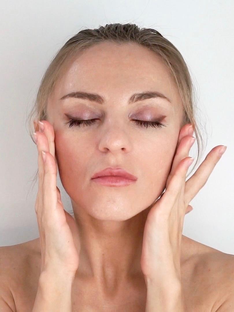 Hyaluronic Acid Serum for sensitive skin